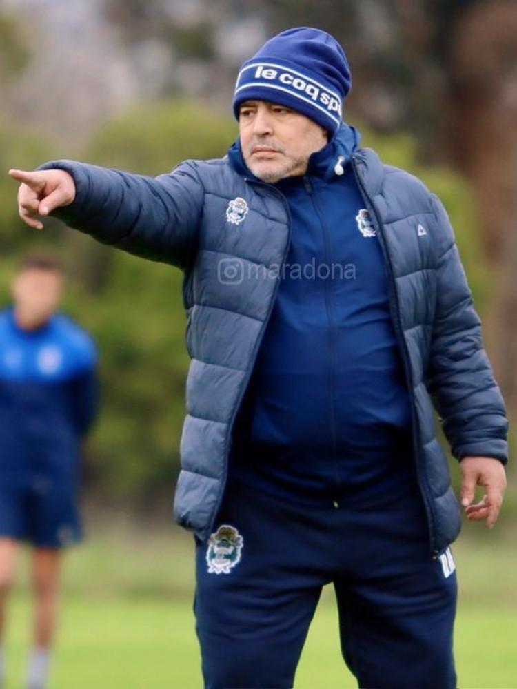 Diego Maradona didakwa kasus penembakan karena menembak fotografer dan jurnalis di rumahnya.